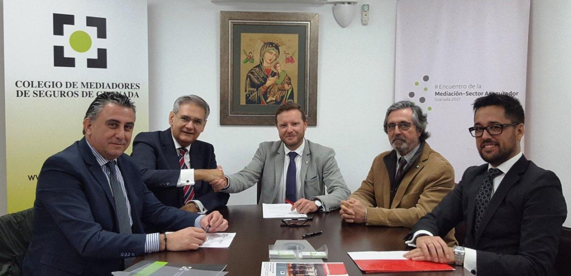 El Colegio de Mediadores de Seguros de Granada cierra un acuerdo con la compañía Plus Ultra Seguros