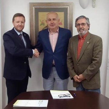 El Colegio de Mediadores de Seguros de Granada y CRISTALBOX formalizan la renovación de su convenio de colaboración