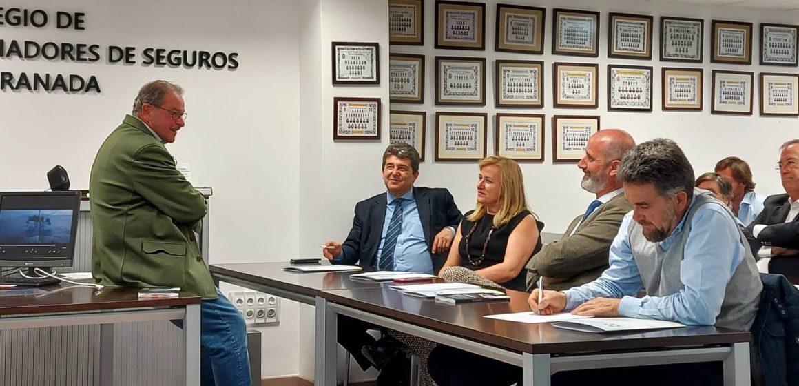 Aprendiendo sobre liderazgo de la mano del escritor Julián Gutiérrez Conde y PELAYO