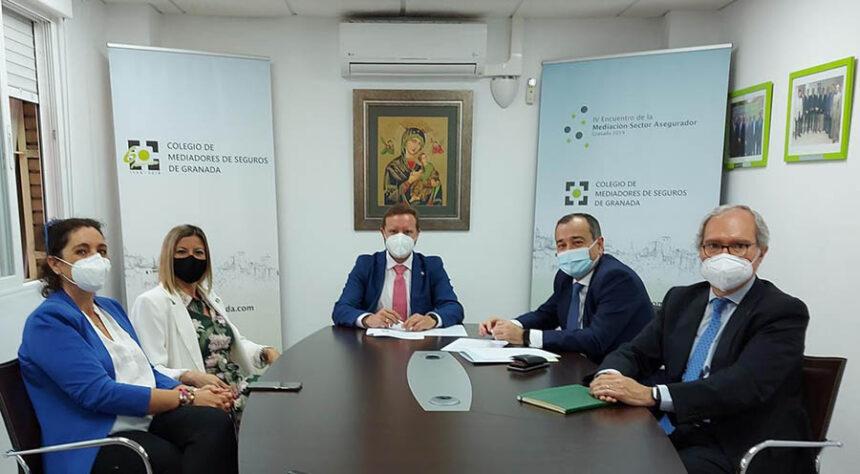 El Colegio de Mediadores de Seguros de Granada y AXA refuerzan su alianza a través de un nuevo convenio